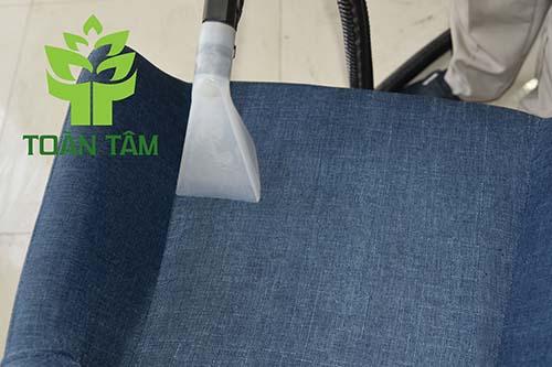 Dịch vụ giặt ghế sofa theo tiêu chuẩn châu Âu
