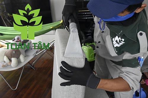 Dịch vụ giặt ghế sofa tại quận 2 chuyên nghiệp