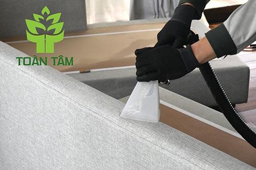 Giặt ghế sofa đòi hỏi kỹ thuật và trình độ tốt